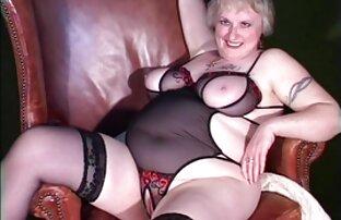 زیبا, همسر در جوراب ساق sex سینه بلند سفید می دهد کار ضربه به شوهر مورد علاقه خود را