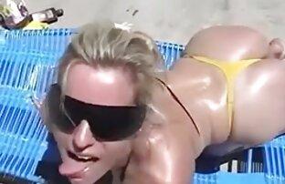 سکسی و پر از سوراخ ورزش ها fucks در بیدمشک با dildo خوردن سينه سكسي در جدول