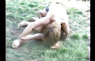 سبزه, خوردن پستان سکسی Karissa کین می شود به خوبی