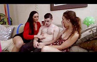 پورنو سينه خوردن سكسي لزبین عشق به شیطان در خیابان