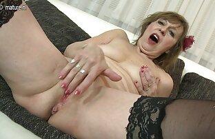 عاشق fucks در یک سینه سک جوجه نوجوان روی تخت