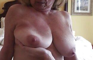 شلخته دارای موی سرخ سکسی قرار فیلم سکسی سینه های بزرگ می دهد در لباس زیر زنانه قرمز و fucks در گلبرگ رز